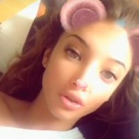 Mélanie Dedigama trop froide ? Elle répond aux haters sur Snapchat