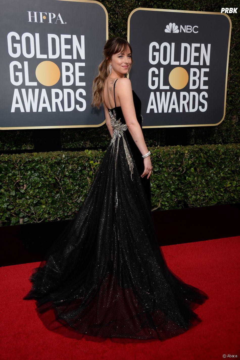 Dakota Johnson sur le tapis rouge des Golden Globes 2018 le 7 janvier à Los Angeles