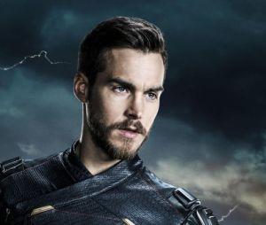 Supergirl saison 3 : Mon-El en costume