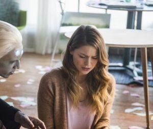 Supergirl saison 3 : Kara (Melissa Benoist) bientôt amoureuse de Brainiac 5 (Jesse Rath) ?