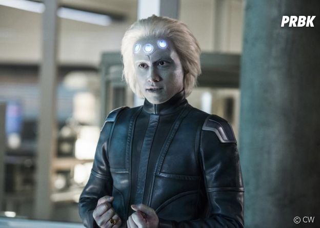 Supergirl saison 3 : Brainiac 5 sur une photo de l'épisode 10