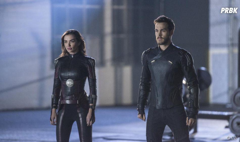 Supergirl saison 3 : Mon-El (Chris Wood) et Saturn Girl (Amy Jackson) sur une photo de l'épisode 10