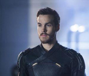 Supergirl saison 3 : Mon-El (Chris Wood) sur une photo de l'épisode 10