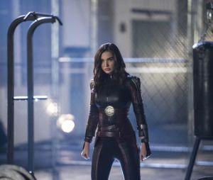 Supergirl saison 3 : Saturn Girl (Amy Jackson) sur une photo de l'épisode 10