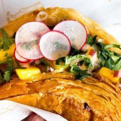 Découvrez le tacro, la nouvelle tendance food qui mélange le croissant et le taco