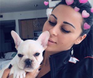 Shanna Kress (Les Anges 10) présente son nouveau chien adorable