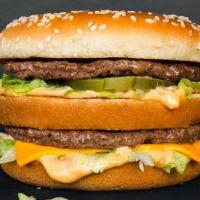 McDonald's : il mange 30 000 Big Mac et entre dans le livre des records 🍔