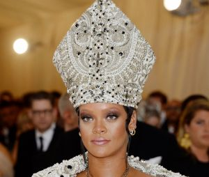 Rihanna au MET Gala 2018 le 7 mai à New York