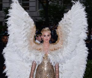 Katy Perry en mode ange au MET Gala 2018 le 7 mai à New York