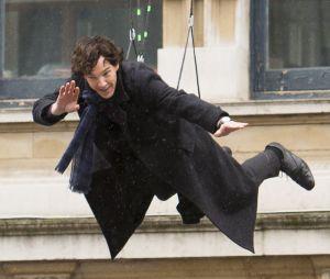 Benedict Cumberbatch est un héros dans la vraie vie : l'interprète de Sherlock Holmes a sauvé un coursier qui se faisait attaquer par quatre hommes !