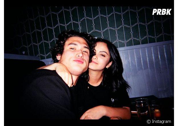 """Camila Mendes et Charles Melton, la rupture ? """"Ils sont séparés depuis plusieurs mois"""""""