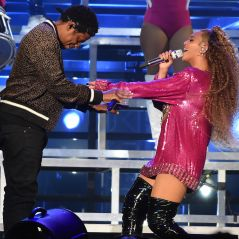 Beyoncé et Jay Z : un fan surgit sur scène en plein concert, panique générale 😱