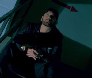 """Clip """"Fall"""" : Eminem règle ses comptes avec ses haters après le flop de """"Revival"""""""