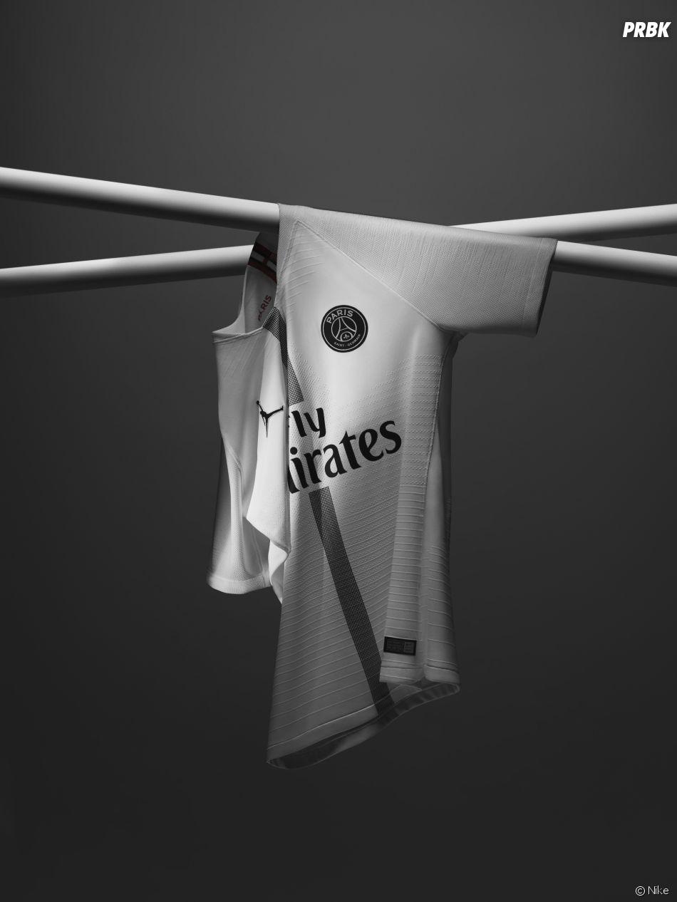 PSG x Jordan : le maillot blanc (extérieur) pour la Ligue des Champions