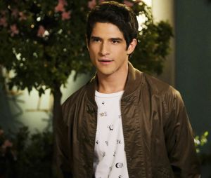 Tyler Posey dans Jane the Virgin