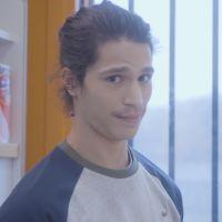 """Clip """"Snow"""" : Moha La Squale retourne en prison et aide un jeune détenu"""