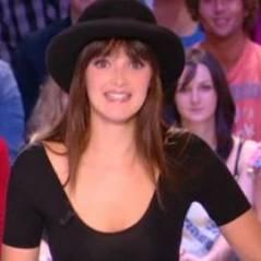 Charlotte Le Bon … Regardez son strip-tease et ses insultes en direct (vidéo)