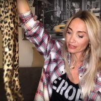 Confessions intimes : les conseils de la psy Karine Grandval vous manquent ? Direction Youtube !