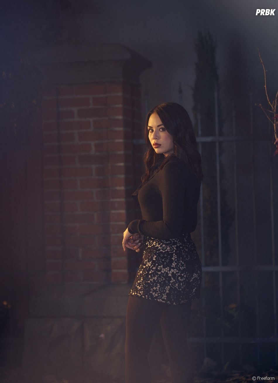 The Perfectionists : Janel Parrish reprend son rôle de Mona
