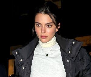 """Kendall Jenner toujours critiquée pour son acné : """"J'ai pleuré sans arrêt""""."""