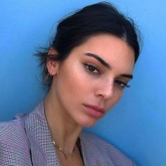 """Kendall Jenner toujours critiquée pour son acné : """"J'ai pleuré sans arrêt"""""""