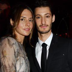 Pierre Niney : sa chérie Natasha Andrews enceinte, elle dévoile son baby bump