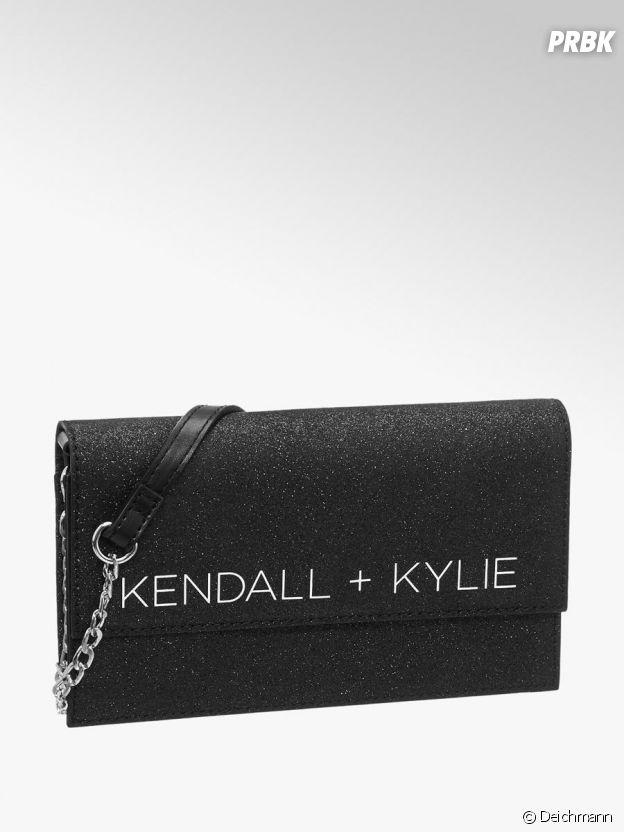 Kylie Jenner et Kendall Jenner pour Deichmann : la pochette Kendall + Kylie à 24,90€.