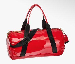 Kylie Jenner et Kendall Jenner pour Deichmann : le sac de sport Kendall + Kylie à 49,90€.