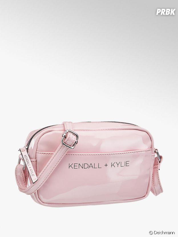 Kylie Jenner et Kendall Jenner pour Deichmann : la pochette Kendall + Kylie à 14,90€.