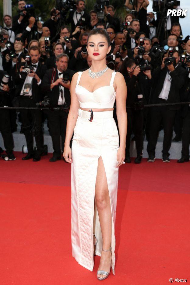 Selena Gomez sur le red carpet, à l'ouverture de la 72ème édition du festival de Cannes