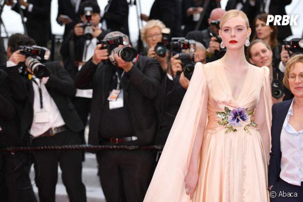 Elle Fanning sur le red carpet, à l'ouverture de la 72ème édition du festival de Cannes