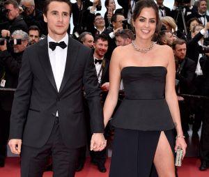 Anouchka Delon et son compagnon sur le red carpet, à l'ouverture de la 72ème édition du festival de Cannes