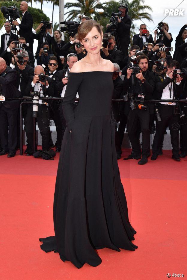 Louise Bourgoin sur le red carpet, à l'ouverture de la 72ème édition du festival de Cannes