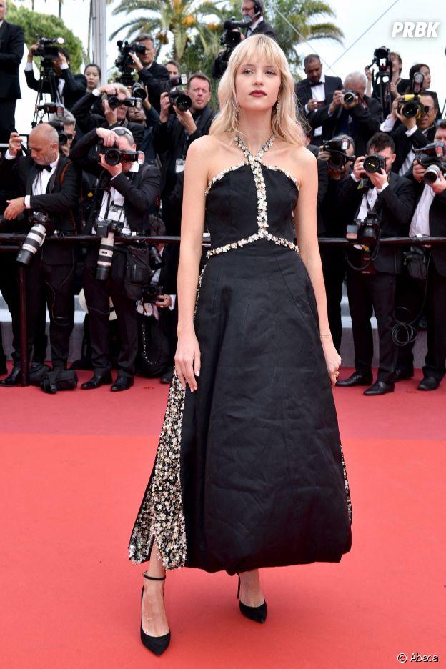 Angèle sur le red carpet, à l'ouverture de la 72ème édition du festival de Cannes
