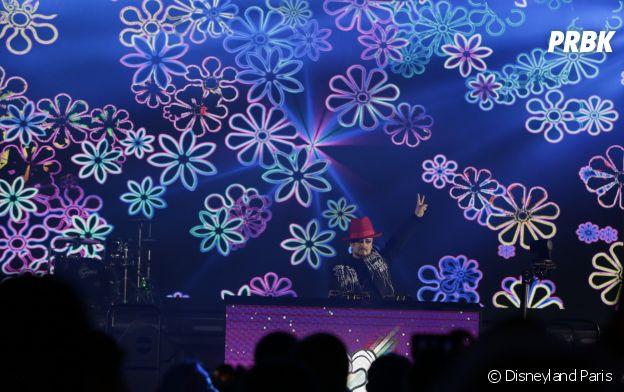 Corine fait le show à la Magical Pride à Disneyland Paris