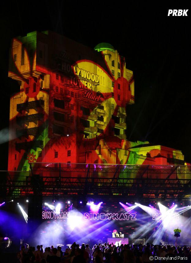 Magical Pride à Disneyland Paris : la Tour de la Terreur s'illumine