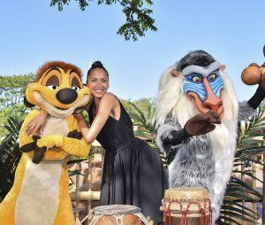 Noémie Lenoir à Disneyland Paris pour le Festival du Roi Lion & de la jungle