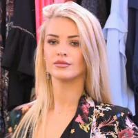 Les Reines du Shopping : une candidate draguée par un vendeur, et ça fait rire Cristina Cordula