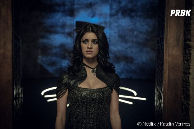 Anya Chalotra dans la peau de Yennefer dans The Witcher