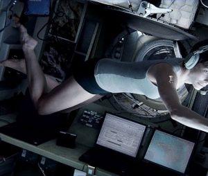 Gravity : la tenue de Ryan Stone est beaucoup trop dénudée
