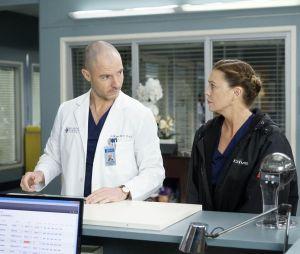 Cormac Hayes (Richard Flood) face à Meredith (Ellen Pompeo) dans Grey's Anatomy