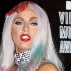 Lady Gaga ... Elle s'offre à deux jeunes mariés ... inconnus du grand public