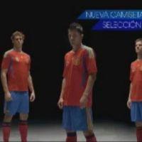 Le nouveau maillot de l'équipe d'Espagne de foot (la Roja) ... dévoilé dans un spot TV qui déchire