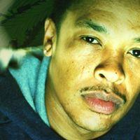 Dr Dre, Snoop Dogg et Akon chantent Kush ... écoutez ça