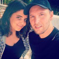 Inès Reg prépare son premier film avec son mari Kevin
