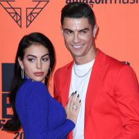 Cristiano Ronaldo et Georgina Rodriguez fiancés ? Ils semblent confirmer avec une bague