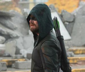 Arrow : Stephen Amell tease déjà un retour du personnage