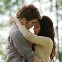 Robert Pattinson et Kristen Stewart ... s'embrasser ça ... ils savent faire ...