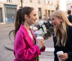 Emily in Paris saison 2 : le créateur Darren Star balance des infos sur Emily (Lily Collins) pour la suite de la série Netflix