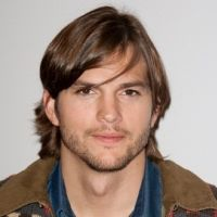 Ashton Kutcher ... Venu faire le clown à Paris pour Sex Friends (photos)